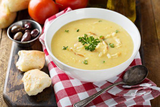 कम फाइबरए कम अवशेष और कम फैट के साथ लेमन चिकन राइस सूप