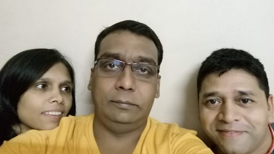 ओरल कैंसर सर्जरी के बाद अपने परिवार के साथ उमेश