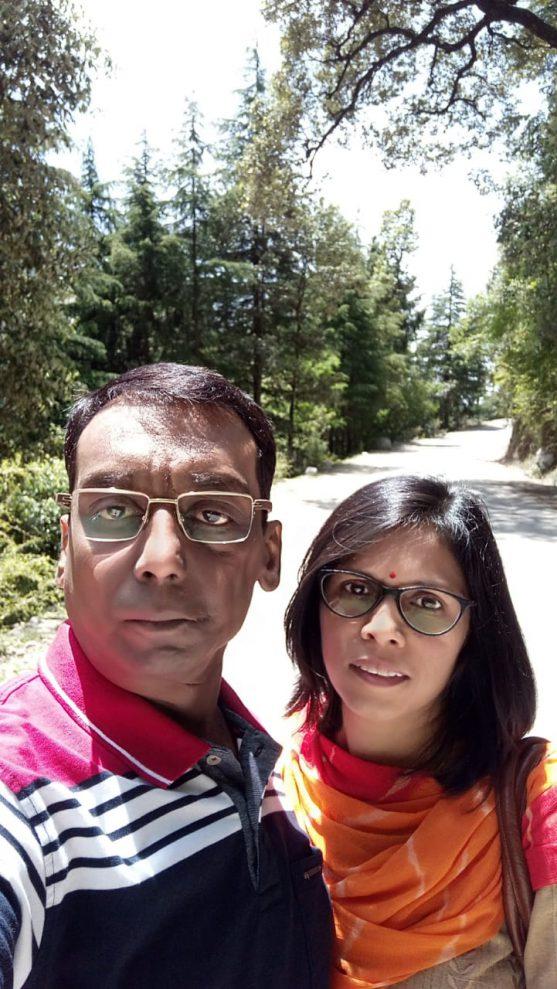 उमेश अपनी पत्नी के साथ