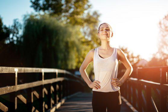 एक स्वस्थ वजन बनाए रखने के लिए अपने चिकित्सक द्वारा सुझाए गए व्यायाम का पालन करें।