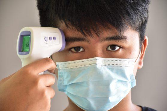 कोरोनावायरस में सांस की समस्या हो सकती है और यह बहुत तेजी से बढ़ सकता है।