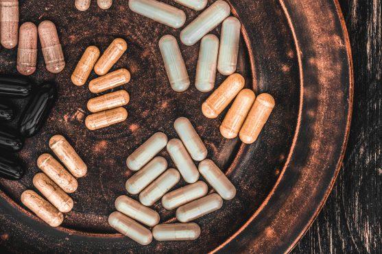 यदि आप बड़ी मात्रा में मल्टीविटामिन और मिलरल्स का सेवन करते हैं तो ये आपके लिए गंभीर या जानलेवा दुष्प्रभाव पैदा कर सकते हैं।