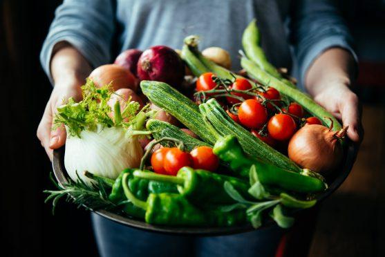 न्यूट्रोपेनिक डाइट कमजोर प्रतिरक्षा प्रणाली वाले लोगों के लिए खाने की आहार योजना है।