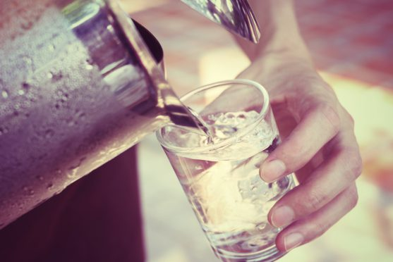 Drinking water can reduce itchy skin
