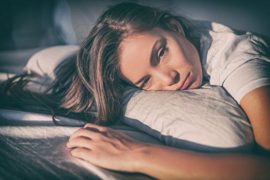 रेडिएशन थेरेपी के कुछ हफ़्तों के बाद ज़्यादातर लोग थकान महसूस करने लगते हैं।